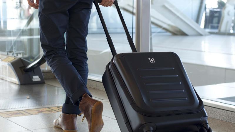 چمدان پرواز
