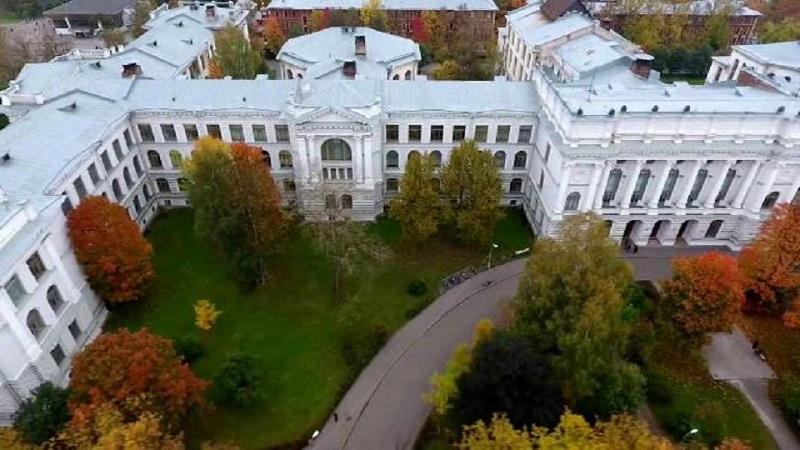 دانشگاه پتر کبیر